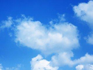 【文缘】高挂在天上的一朵彩云(诗歌)